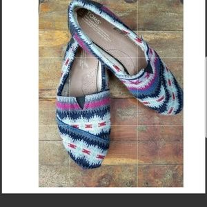 Vans Aztec / Navajo  pattern slip on shoes-sz.9.5
